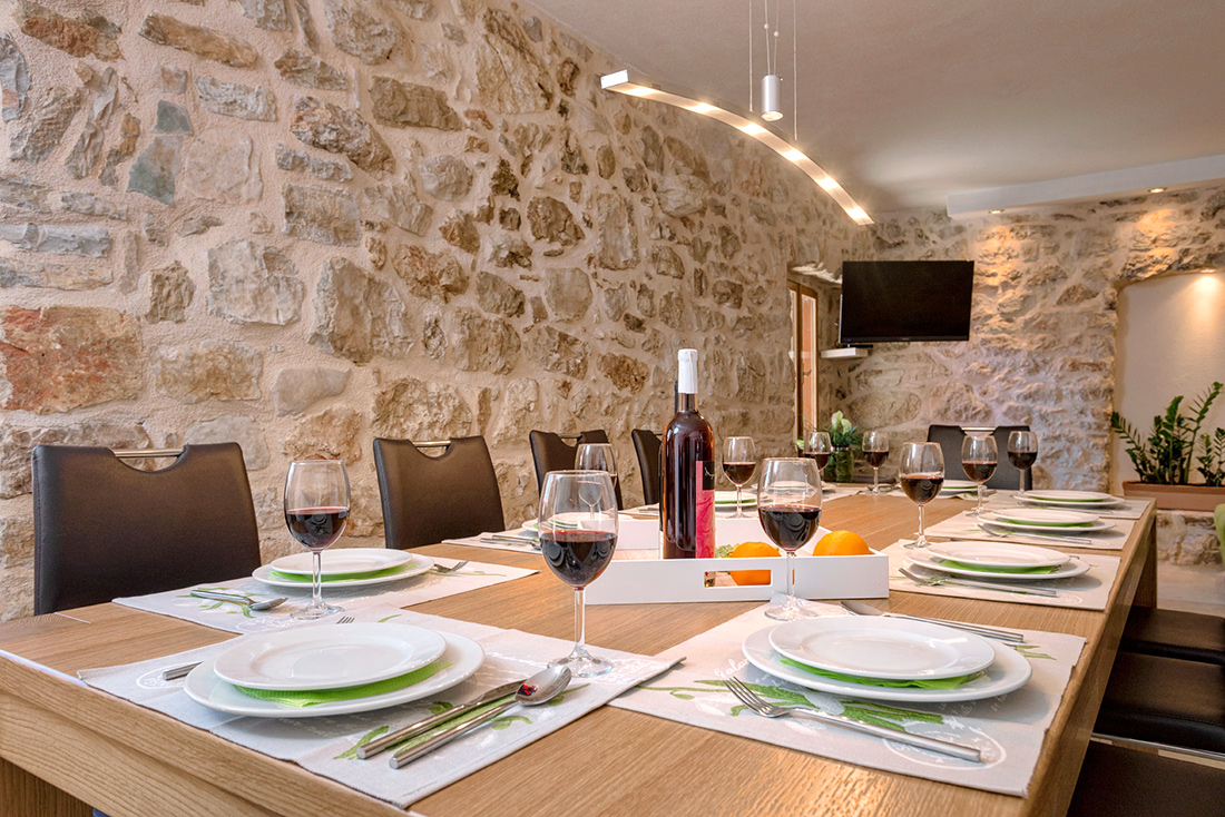 Table for 14 persons in villa 1